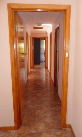 1.lino hallway