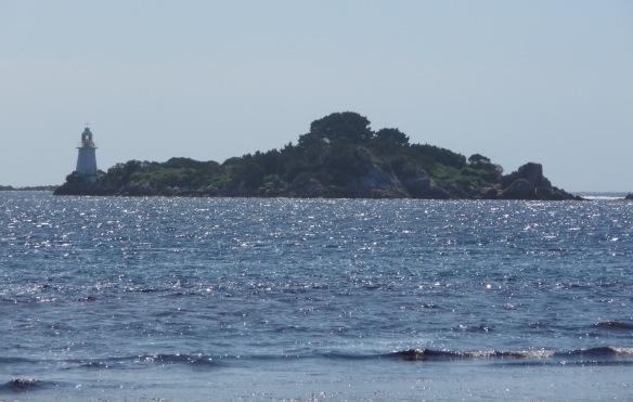 7.Entrance Island