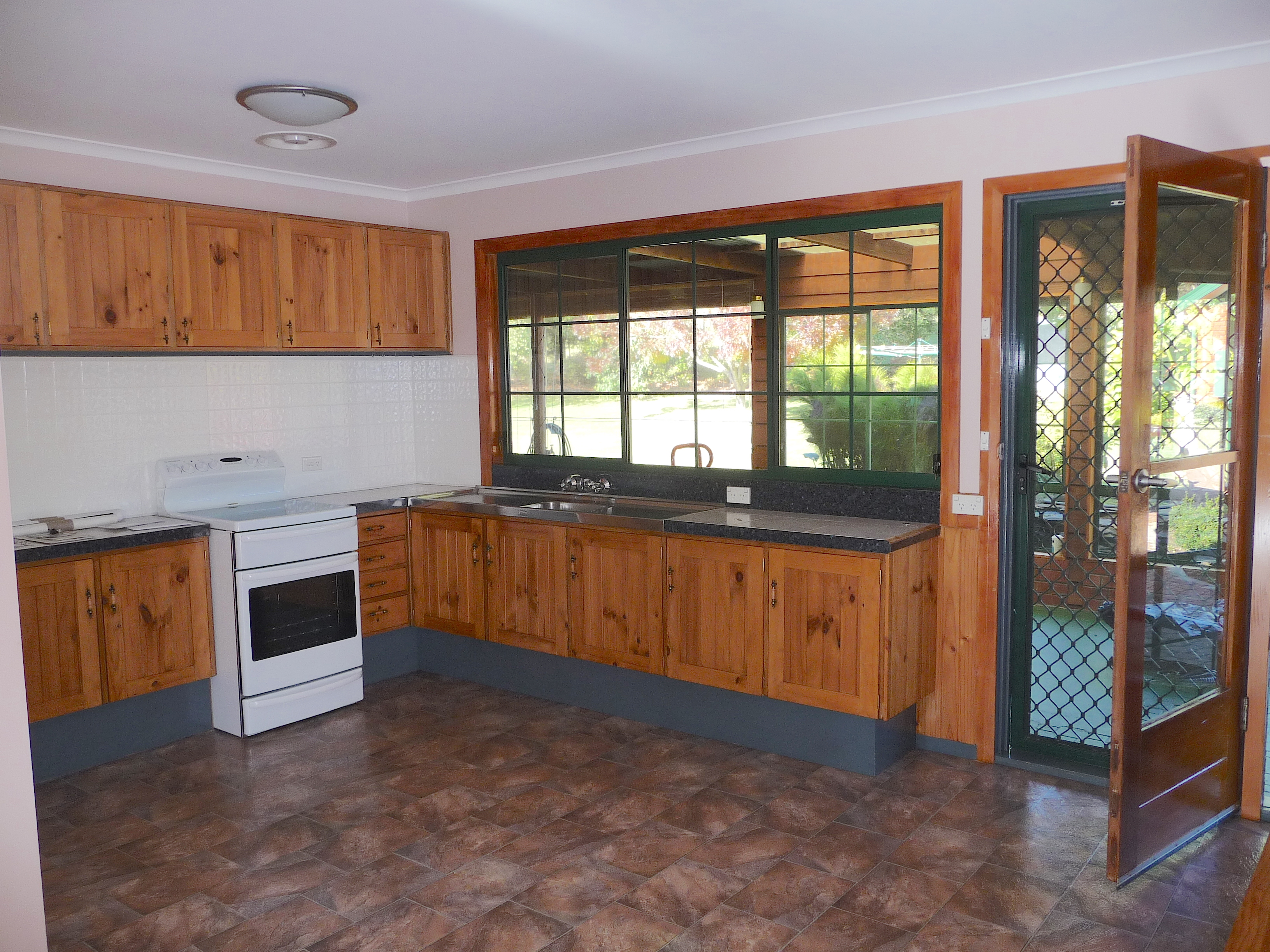 1.old kitchen