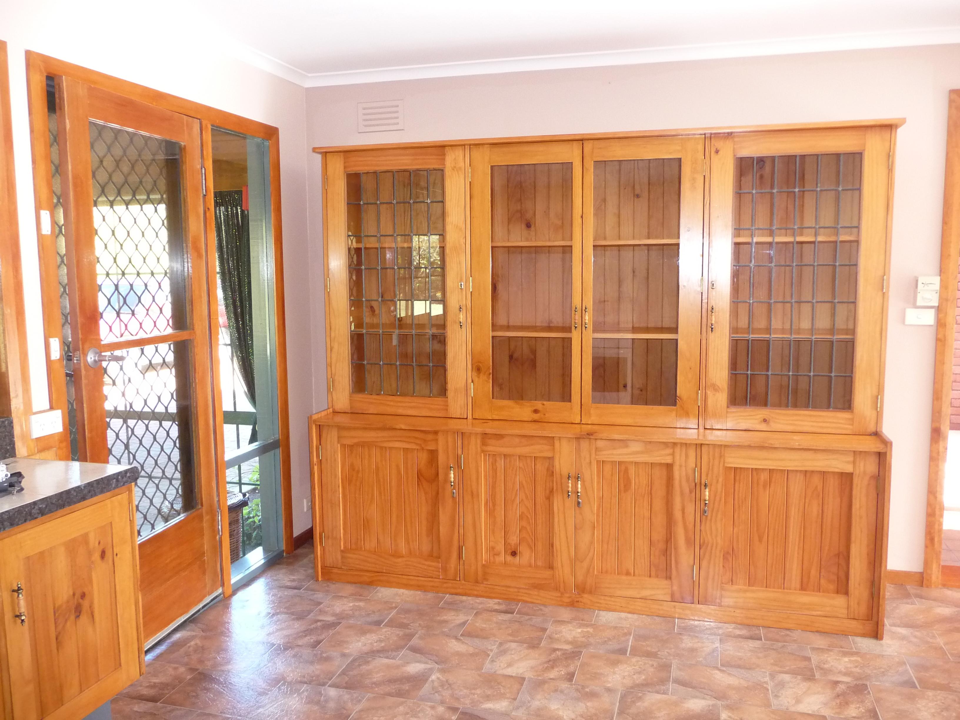 2.old kitchen