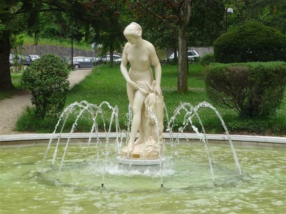 23.fountain