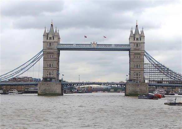 25.Tower Bridge