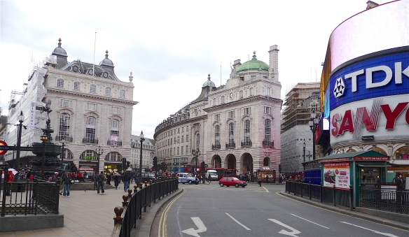 35.Piccadilly Circus