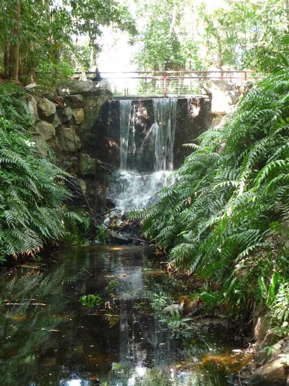 4.waterfall