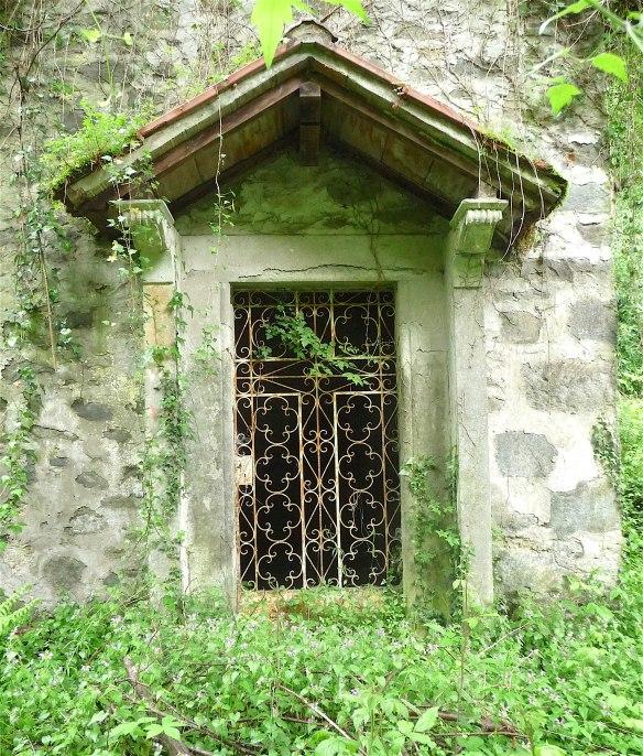 5.chapel door