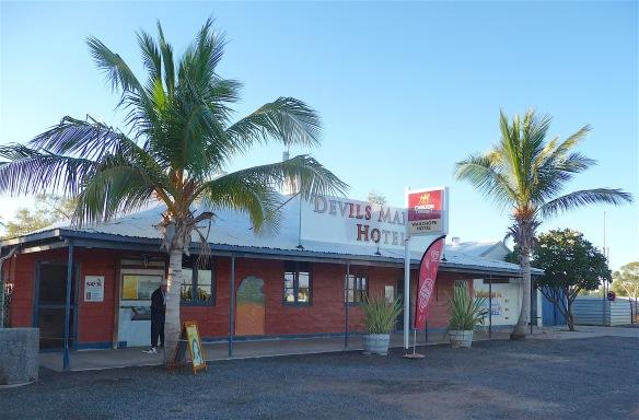 1.Devils Marbles Hotel