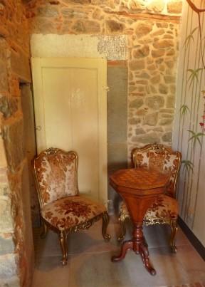 11.sitting room2