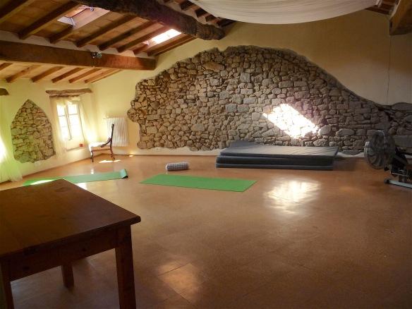 15.yoga room