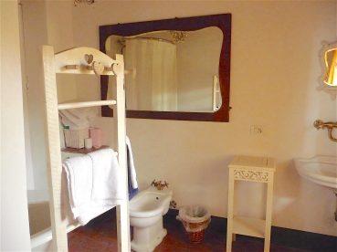 23.our bathroom1