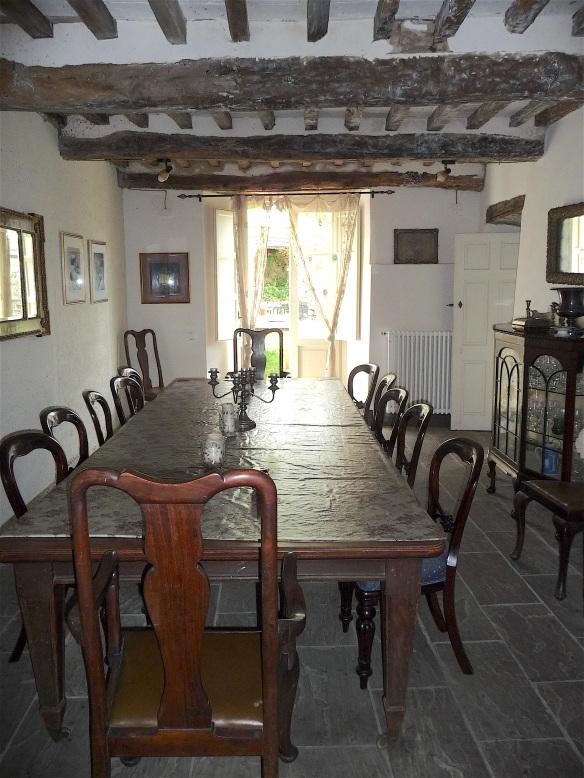 8.dining room