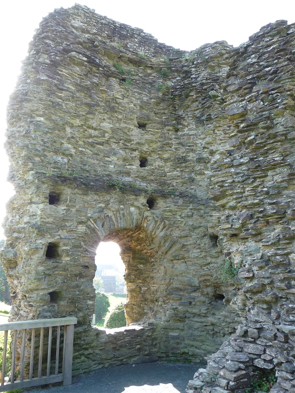 16.Launceston Castle