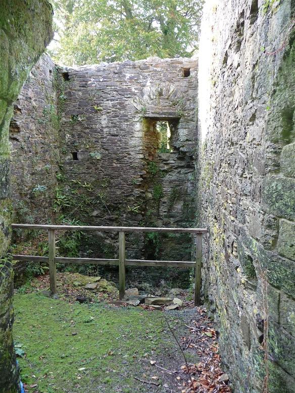 17.Launceston Castle