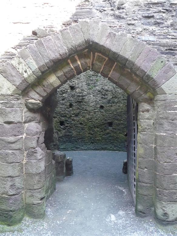 8.Launceston Castle