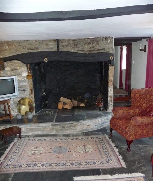 8.sitting room