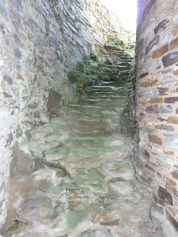 9.Launceston castle