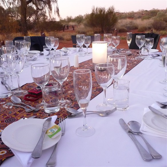 11.table setting