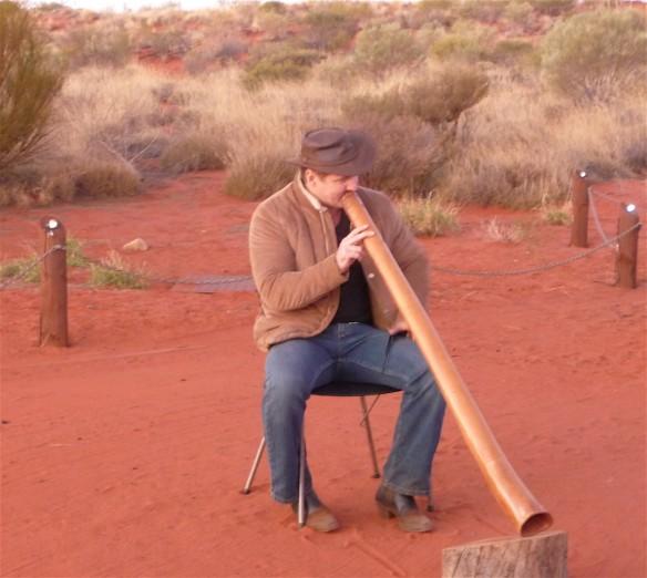 13.didgeridoo