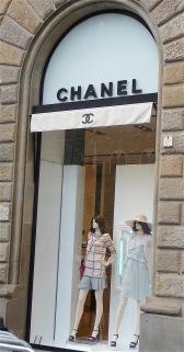 16.Chanel