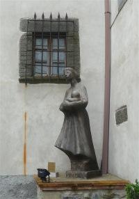 33.statue