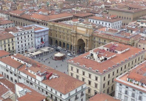 41.Piazza della Republica