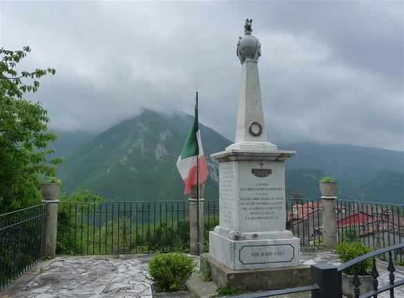 8.monument