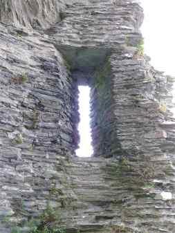 10-cilgerran-castle
