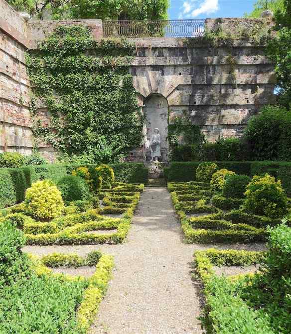 10-italian-garden