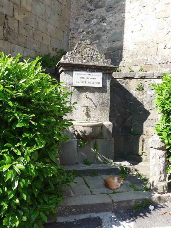 10-monument