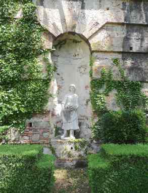 11-italian-garden