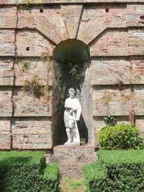 12-italian-garden