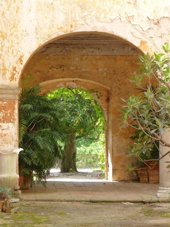 15-inner-courtyard