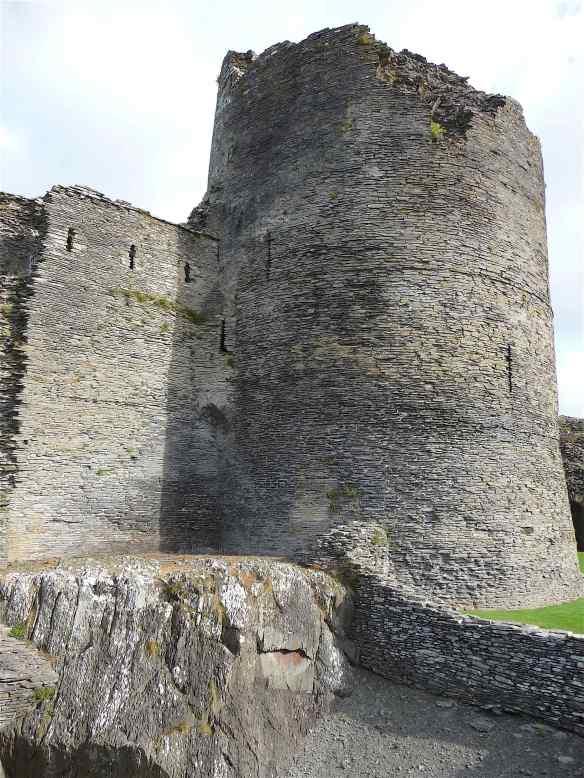 2-cilgerran-castle