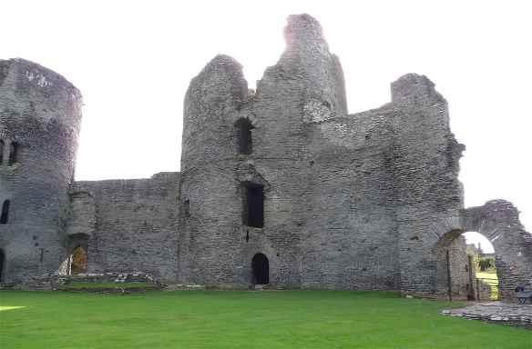 4-cilgerran-castle