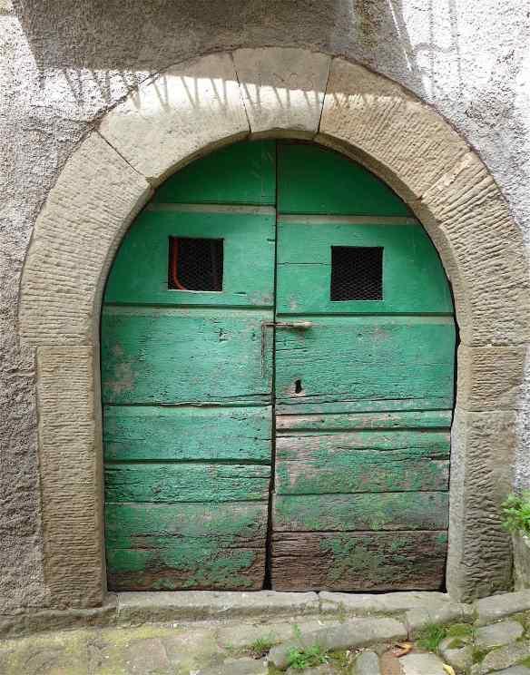 3-green-door