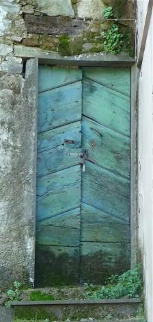 7-green-door