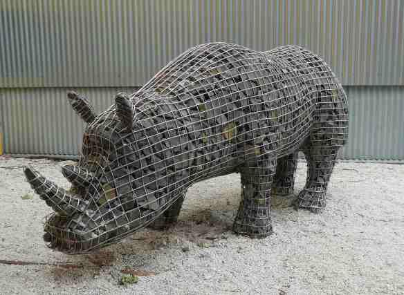 12-gabion-rhino
