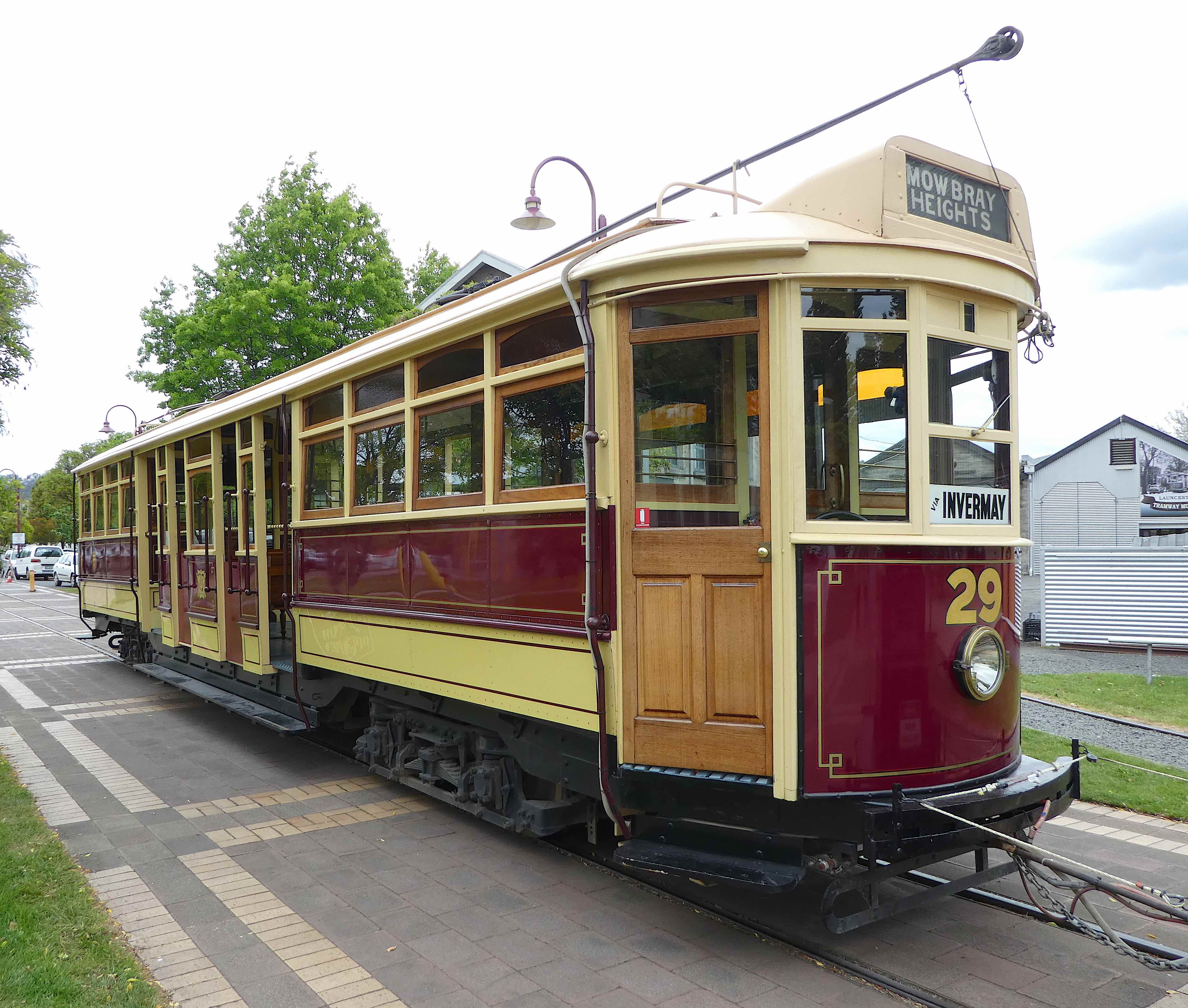16-tram