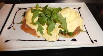 23-eggs-benedict