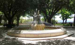 20-fountain-parterre-gardens