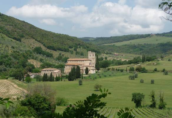 1-sant-antimo-abbey