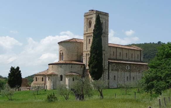 2-sant-antimo-abbey