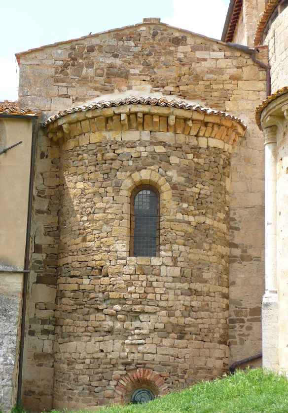 26-apse-of-the-carolingian-chapel