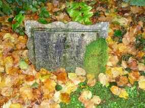 4-memorial-stone-luss