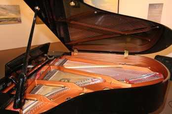 17.baby grand piano