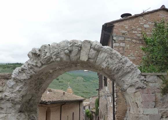 56.Porta dell' Arce