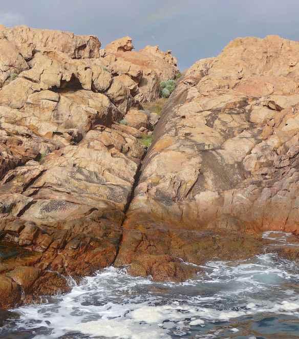 13.Canal Rocks