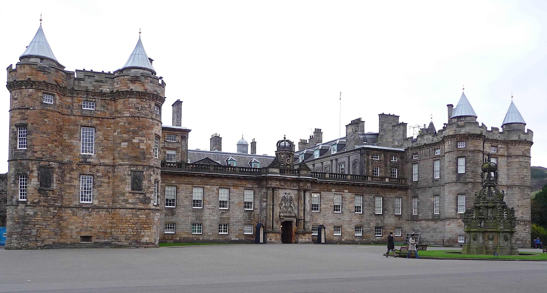 21.Palace of Holyroodhouse