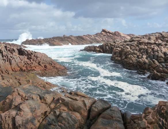6.Canal Rocks