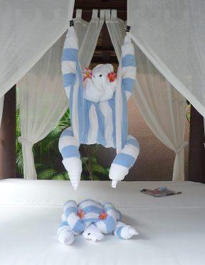 34.towel monkeys