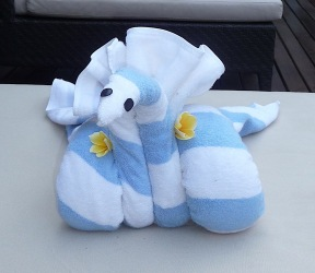 35.towel swan